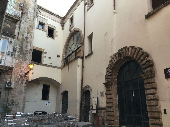 Palazzo_Delli_Ponti.JPG